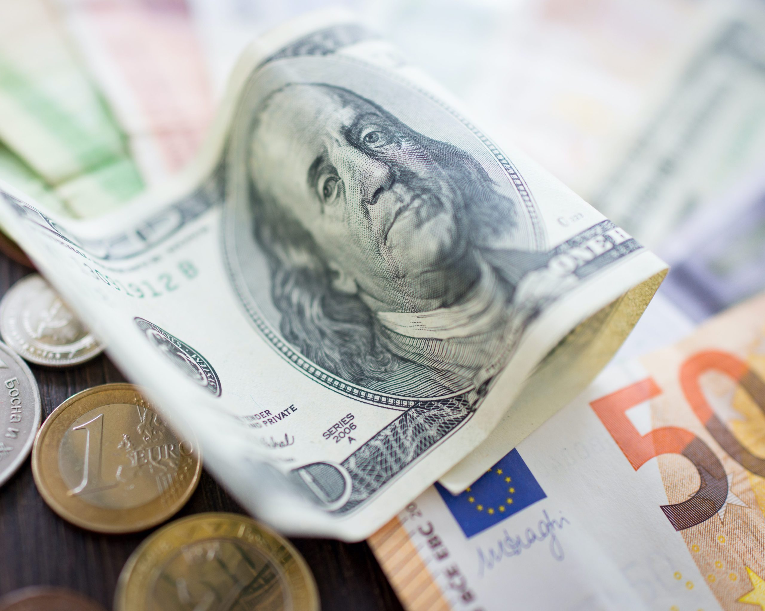 05/03 – Dollar strengthens to 3 month high