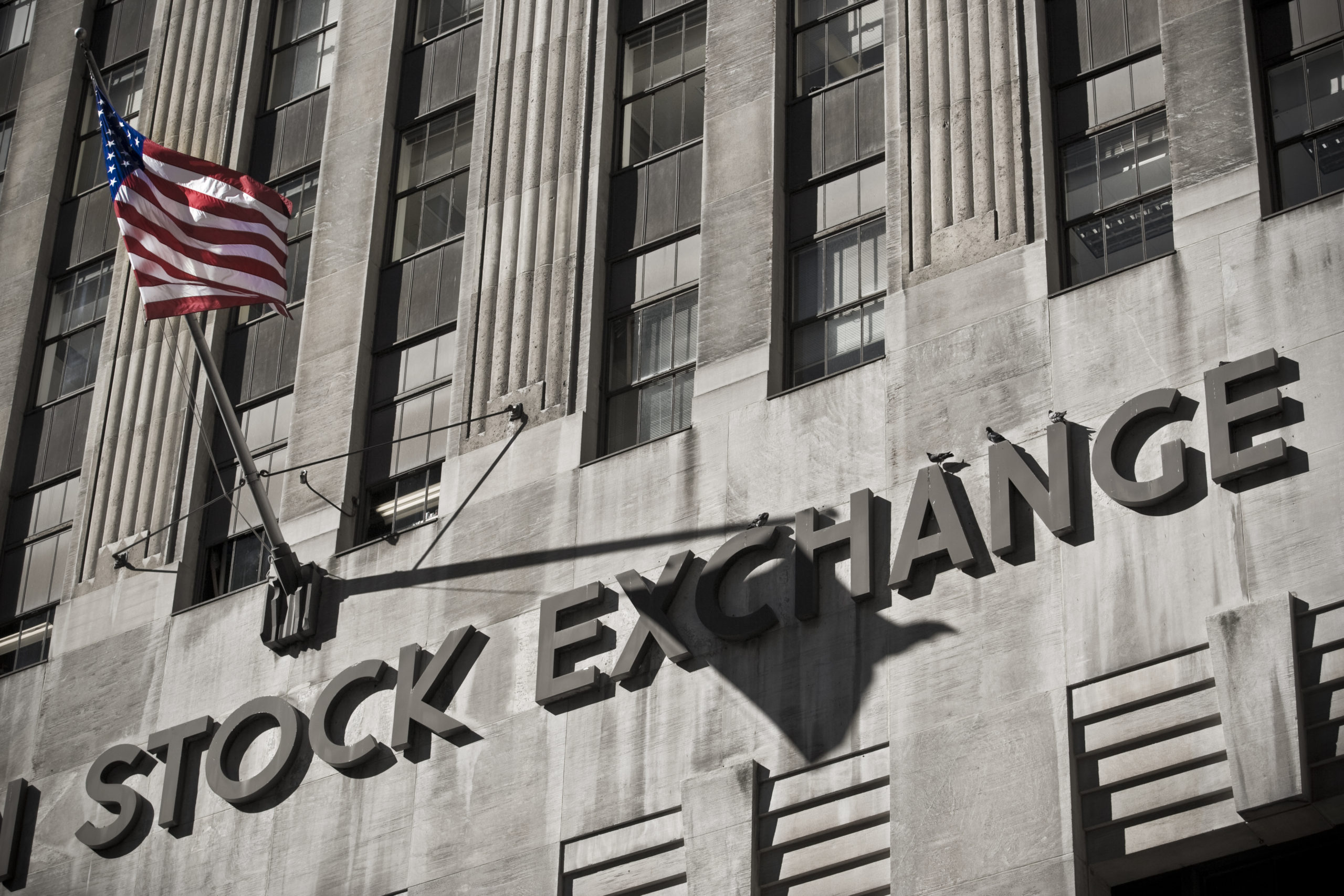 08/06 – Quiet markets point to dollar selling