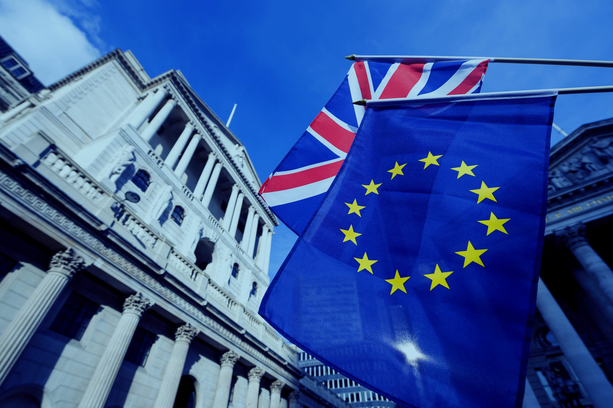 27/05 – Bank of England optimism helps sterling